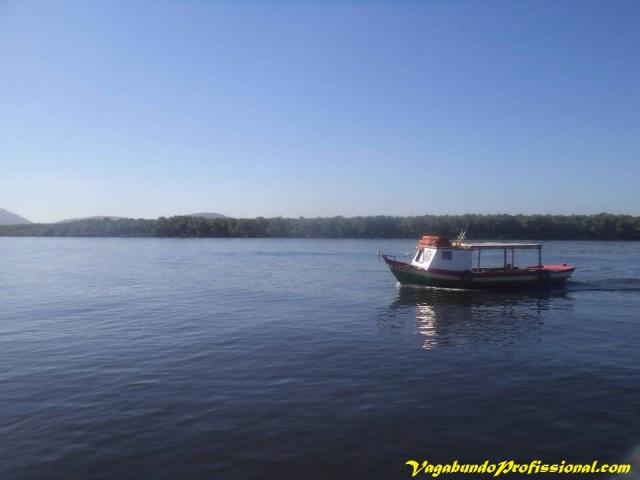 O último barco... indo embora. Foto: Ricardo Cardoso/Arquivo Pessoal