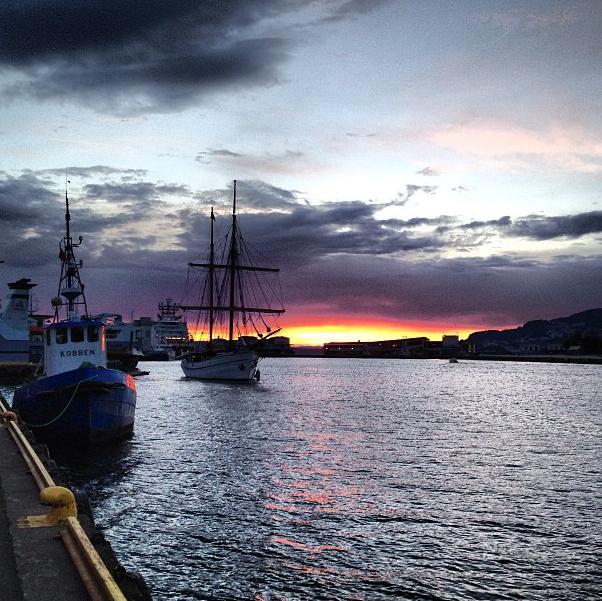 O pôr do sol na Noruega