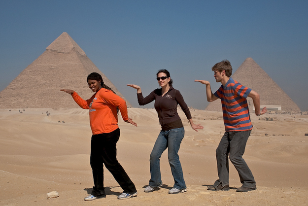 guerrilha nerd fotos de tristas tipicas piramide egito