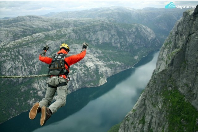 9 - Pular de bungee jump.