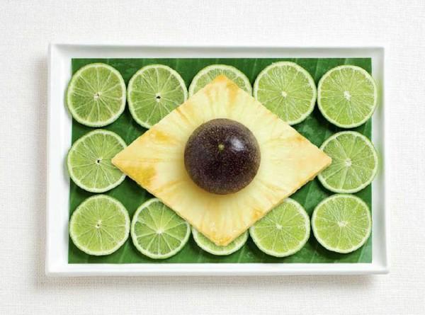 Bandeira do Brasil feita a partir de folhas de banana, limão, abacaxi e maracujá.