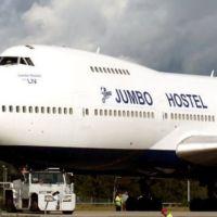 Dormindo no avião - um hostel dentro de um Boeing 747