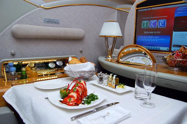 Emirates Airlines, Suite da Primeira classe do Airbus A380, Rota Dubai - Nova York