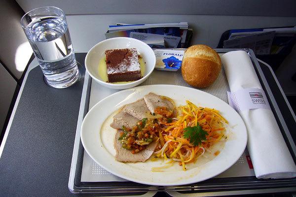 Swiss International Airlines, Classe executiva, Rota Zurich - Keln